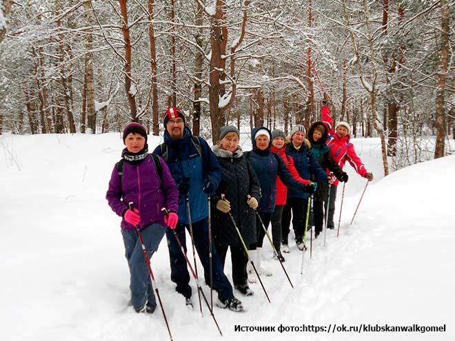 c68974e31 Зимой важна не только обувь, но и одежда для скандинавской ходьбы. Куртка и  штаны не должны промокать, лучше всего использовать несколько слоев одежды.