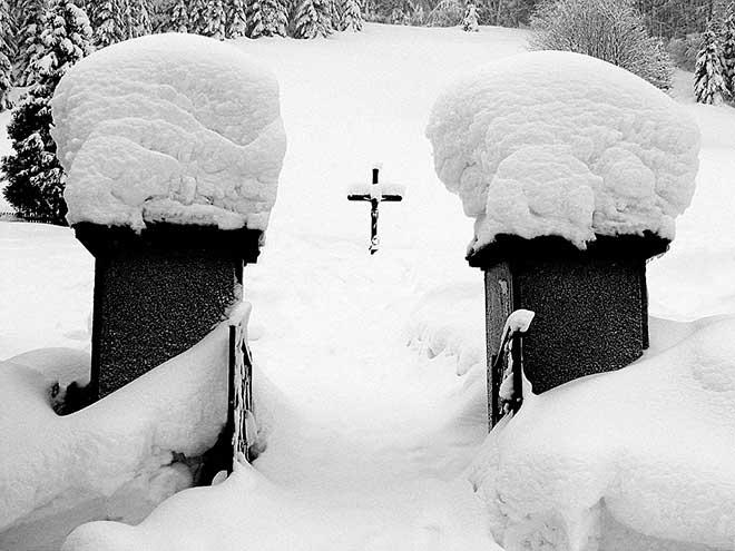 Зимнее кладбище